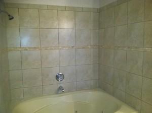 bathtub-tile-surround