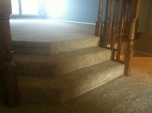 carpet-cascades-over-short-staircase