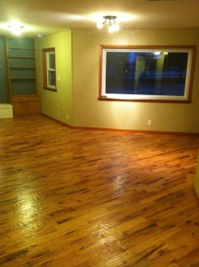 hand-scraped-solid-hardwood-floor-tulsa