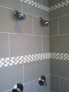 large-format-tile-shower-with-mosaic-accent