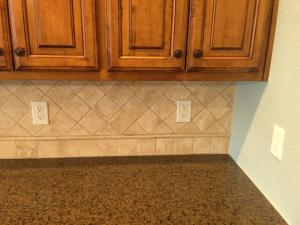 stone-travertine-kitchen-backsplash