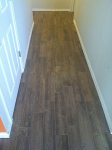 wood-look-tile-in-hall-way-tulsa